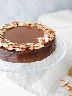 Glutenfri mazarinkaka med apelsin och choklad | Brinken bakar Food Cakes, Muffins, Tiramisu, Cake Recipes, Pie, Gluten Free, Sweets, Cookies, Kaka