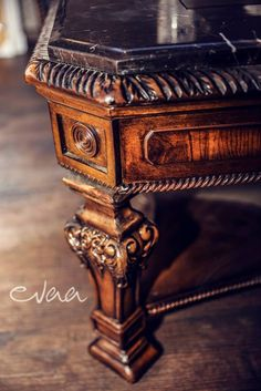 Evaa Cocktailbar - table antique  www.facebook.com/evaa.cocktailbar