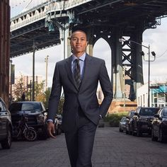 Start your career on the right foot by wearing AWEARNESS by Kenneth Cole from the Men's Wearhouse.