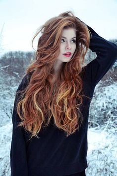 5 wavy red hair models that we have chosen for you! Redheads are so lucky! Because the wavy hairstyles fit them well. This hairstyle, which looks very cool and. Beautiful Long Hair, Gorgeous Hair, Red Hair Model, Hair Models, Short Red Hair, Red Hair Woman, Gorgeous Redhead, Hair Shades, Redhead Girl