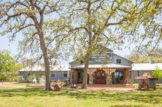For many years, Amie and Jolie Sikes dreamed of opening a store in their home of Round Top, Texas, and today that dream is a reality. Take a look at the eclectic Junk Gypsy shop and see some of the Western-chic goods that make it famous. Junk Gypsies Decor, Western Chic, Cowboy Chic, Flea Market Style, Outdoor Venues, Trash To Treasure, Gothic House, American Country, Reclaimed Barn Wood