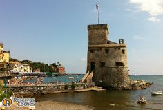 Castillo de Rapallo, Liguria, Italia  #Italia #Rapallo #CastillodeRapallo #turismo #Liguria #viajes #CastellodiRapallo Recorre Italia en coche http://www.reservasdecoches.com/paises/alquiler-de-coches-italia/