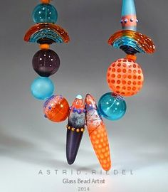 Astrid Riedel Glass Artist: A new hollow bead necklace, at last...