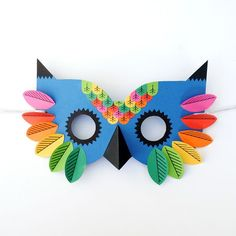 Paper Owl Mask // Free printable Hello all, I hope you are all well and preparations for Halloween are going well. Paperchase asked me to design a mask for Halloween. I have a thing for owls so it seemed only natural to make an owl mask. Animal Masks For Kids, Animals For Kids, Mask For Kids, Owl Mask, Bird Masks, Easy Crafts For Kids, Diy For Kids, Paper Owls, Paper Paper