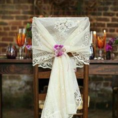 Vintage Wedding Decor: 25 Beautiful Ideas for Your Reception - Wedding Themes Mod Wedding, Rustic Wedding, Dream Wedding, Wedding Day, Wedding Unique, Wedding Vintage, Vintage Lace, Vintage Weddings, Trendy Wedding