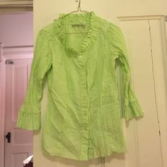 Honey dew green blouse This is an adorable honey dew green colored button down shirt! Perfect for summer or any time actually ! Harve benard Tops Blouses
