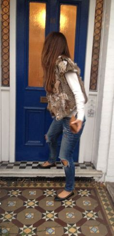Spotted: our favorite wild-cat fur gilet!!