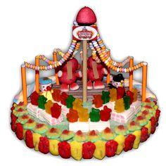 Un vrai cirque en bonbons avec son dresseur d'éléphant et ses spectateurs oursons sur leur lit de guimauve. Un instant gourmand à partager avec des passionnés et des gourmands.