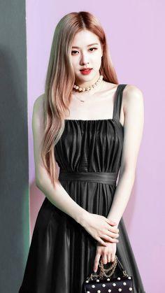 Rosé in this black dress i 😍 Square Two, Rose And Rosie, Black Pink Kpop, Rose Bonbon, Blackpink Photos, 1 Rose, Kim Jisoo, Blackpink Fashion, Jennie Blackpink