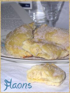 Flaons (Sweet Iberian with cottage cheese, almonds and cinnamon)