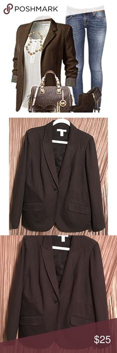 """Chico's Brown Suit Jacket size 2 (12) Chico's Brown Lined Suit Coat size 12.  It's perfect business attire.  2 pockets / 1 button / 65% rayon 30% nylon 5% spandex / Lining 100% polyester. Measurements:  Bust 21"""" (armpit to armpit), Sleeves 24.5"""" (shoulder seam down), Length 26"""" (bottom of back collar down).  From a pet-free / smoke-free home.  To ensure a good fit, please measure a favorite jacket and check your measurements against item info. Chico's Jackets & Coats Blazers"""