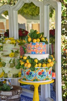 Amalfi Lemons Party - House of Bellator Pretty Cakes, Cute Cakes, Beautiful Cakes, Italian Party, Italian Themed Parties, Fun Desserts, Elegant Desserts, Amalfi Coast Wedding, Lemon Party