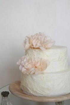 Flower Cake Toppers (but in white/green) Cute Cakes, Pretty Cakes, Flower Cake Toppers, Peach Flowers, Wedding Cakes, Wedding Vows, Dream Wedding, Celebration Cakes, Let Them Eat Cake