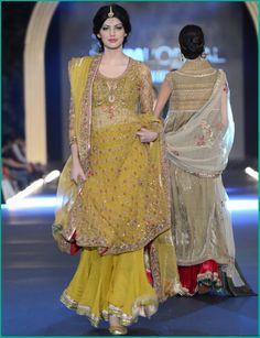 Pakistani Mehndi Dresses 2015