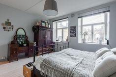 Myydään Puutalo-osake 4 huonetta - Turku Keskusta Piispankatu 6 - Etuovi.com 9465863 Home Bedroom, Osaka, Interior, Modern, Historian, House, Furniture, Beautiful, Grey