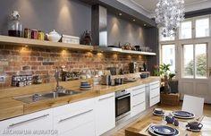 biała kuchnia z ceglaną ścianą - Szukaj w Google