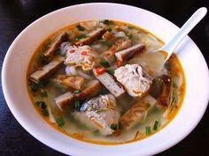 Bánh Canh Chả Cá (Vietnamese Fish Patty Udon Soup)