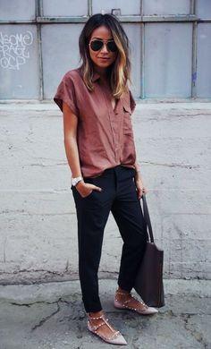 Pantalon ajusté et chemise loose on top avec des killers flat shoes (le stud est toujours bad ass!)