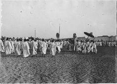 Rabat  Palais du sultan  Les caïds apportant des cadeaux au sultan  1917.07.24