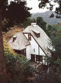 9820 Easton Dr., Beverly Hills. Home of Jean Harlow and Paul Bern. Bern committed suicide in this house by shooting himself in the head. ~ This was also the house, in the 1970s, of hairdresser Jay Sebring, a victim in the Manson Family/Sharon Tate murders.