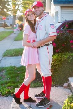 LOVE this A League of their own costume!