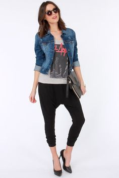 The RVCA Embezzler Black Harem Pants have stashed away more comfort than you've ever dreamed of, with a casual drop crotch, and tapered legs with fitted ankles. Yoga Harem Pants, Black Harem Pants, Harem Trousers, Black Jeans, Elements Of Style, Drop Crotch, Knit Pants, Price Tags, Denim