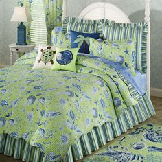quilt patterns seaside theme | ... the beach theme of green shells quilts and bedding scalloped seashell