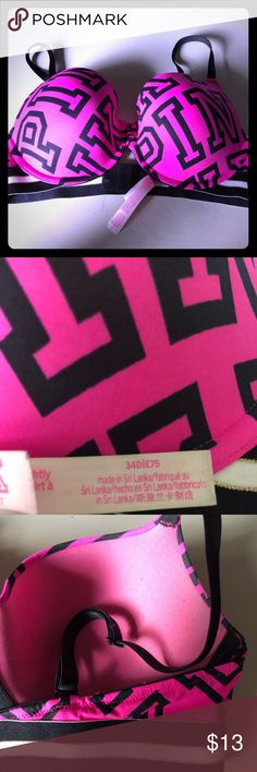 VS Pink T-Shirt Bra Pink and Black 💜💕😊🎀 Very comfortable and in excellent pre loved condition! Only worn a couple times and now just taking up space. My loss is your gain 💋💜 bundles and offers are always welcome, bundles your likes and I will make you a discounted offer 💚🎀😍🌷💎 PINK Victoria's Secret Intimates & Sleepwear Bras
