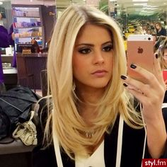 The latest information from the world of celebrities, fashion, beauty, hairstyles Thanks to the articles Stylfm you know everything before others! Stay on the wave Косички in 2019 - Thin Hair Cuts Medium Hair Styles, Short Hair Styles, Hair Layers Medium, Long Hair With Layers, Thin Hair Cuts, Long Layered Haircuts, Layered Long Hair, Blonde Layered Hair, Blonde Layers