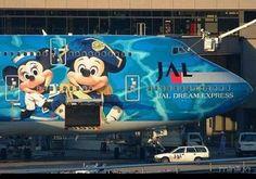 Os aviões por si só são coisas legais, pois eles carregam toda aquela magia que envolve o ato de voar, algo que faz muitas...