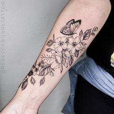 Wrist Tattoos, Cute Tattoos, Unique Tattoos, Flower Tattoos, Body Art Tattoos, Hummingbird Tattoo Black, Piercings, Tatoo Designs, Floral Drawing