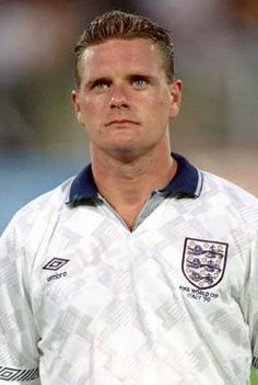 Born: May 1967 ~ Paul John Gascoigne is a former England international footballer. He is also known by his nickname, Gazza. Spouse: Sheryl Gascoigne (m. England Football Players, England Players, Best Football Players, National Football Teams, Soccer Players, Retro Football, Football Design, Vintage Football, Football Poses