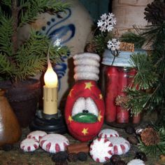 Primitive Snowflake Ornament Christmas Light Bulb Doll Vtg Patti's Ratties Bear