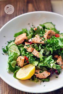 pieczeń ze schabu Składniki: * ok. 1,5 kg schabu… na Stylowi.pl Seaweed Salad, Kfc, Salmon Burgers, Starters, Cobb Salad, Salad Recipes, Chili, Salads, Yummy Food