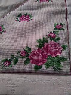Bordado Popular, Ethnic Bag, Christmas Cross, Hobbies And Crafts, Cross Stitch Embroidery, Cross Stitch Art, Cross Stitch Rose, Herb, Cross Stitch Samplers