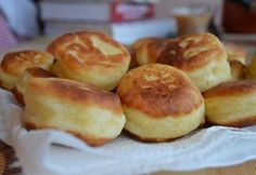 Szalagos krumplifánk recept képpel. Hozzávalók és az elkészítés részletes leírása. A szalagos krumplifánk elkészítési ideje: 60 perc Organic Matter, Pretzel Bites, Doughnut, Bakery, Mango, Muffin, Cookies, Breakfast, Desserts