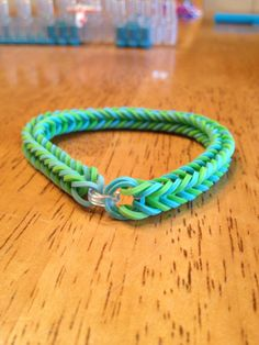 How to make a Fishtail Rubber Band Bracelet ~ especialy for my daughter <3