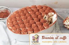 Ricetta Tiramisù al caffè Ricotta, Dog Food Recipes, Cake Recipes, Vol Au Vent, Torte Cake, Cheesecake Desserts, Chiffon Cake, Strudel, Sweet Cakes