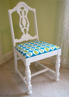 How to make over a chair. For the extra chairs in the basement ... maybe sprinkle around the house, use a couple on the front porch, or just as extra dining room chairs.