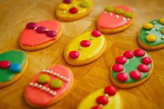 Want to make easter cookies without all the fuss? Me too! Here's a simple way to make them and get kids involved too. No baking!