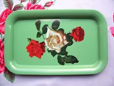 C. Dianne Zweig - Kitsch 'n Stuff: Warm Up Your Retro Kitchen With Red, Yellow and Green Vintage Kitchenwares