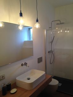 Bathroom with Muuto lampsE27