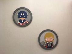 Projeto quarto de bebê tema Heróis. Decoração, quadros, painel, kit berço tudo temático para garantir um quarto divertido, colorido e moderno. capitão América e Thor