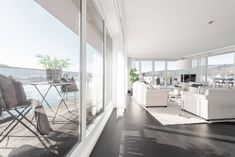 Einzigartiges Penthouse mit atemberaubendem See- und Bergblick, Seezugang sowie Hotelanbindung am Wörthersee Oversized Mirror, Modern, Divider, Room, Furniture, Home Decor, Objects, Real Estates, Luxury