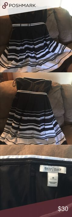 Strapless dress White House Black Market Black and white dress has strip around top to make stay up all lined 100 percent cotton very cute Whie House Black Market Dresses Mini