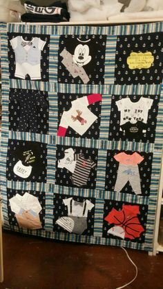 Custom Baby Keepsake Quilt by ChelleBellsBoutique on Etsy Diy Baby Clothes Memory Quilt, Baby Memory Quilt, Used Baby Clothes, Baby Clothes Blanket, Memory Pillows, Baby Quilts, Memory Quilts, Keepsake Quilting, Flower Quilts