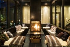 At the Matterhorn Focus Design Hotel in Zermatt with ew rooms and suites you can look forward to the winter season with even greater excitement. Zermatt, Design Hotel, Switzerland Hotels, Jacuzzi Outdoor, Spa Offers, Ceiling Windows, Hotel S, New Room, Nice View