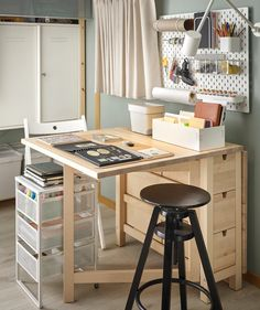 How to create a flexible on-and-off home hobby corner - IKEA Ikea Norden Table, Norden Gateleg Table, Hobbies Ideas, Ideas Habitaciones, Work Lamp, Ideas Para Organizar, Drawer Unit, Office Workspace, Home Office