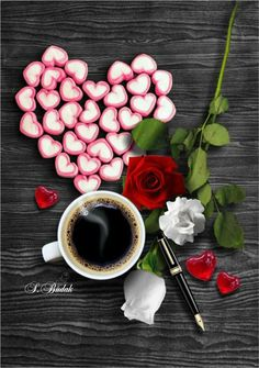 Coffee and flowers Coffee Cafe, My Coffee, Coffee Break, Morning Coffee, Tea Places, Coffee Heart, Coffee Pictures, Coffee Images, Flower Tea