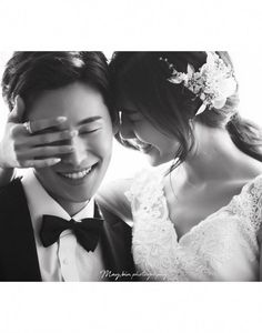 korea pre wedding maybin studio new sample Korea Wedding Photography Lim s Wedding Story - Pre Wedding Poses, Pre Wedding Photoshoot, Wedding Couples, Korean Wedding Photography, Wedding Couple Poses Photography, Photography Lighting, Photography Classes, Iphone Photography, White Photography